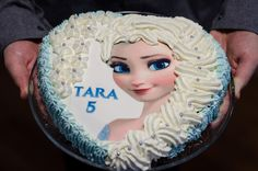 Frozen Elsa Mudcake with cream topping