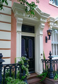This doorway is in Charleston, South Carolina  http://www.brucelawrenceassociates.com