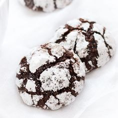 Chocolate Crinkle Cookies - Pretty. Simple. Sweet.