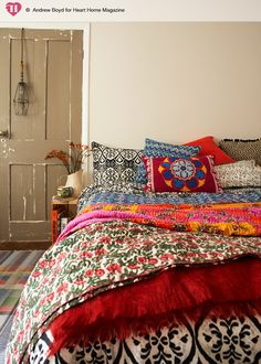 15 Bohemian Bedrooms To Encourage Your House Design. Look into more at the picture link Bohemian Bedrooms, Ethnic Bedroom, Bohemian Bedding, Boho Room, Deco Boheme Chic, Boho Chic, Style Boho, Hippie Chic Decor, Hipster Decor