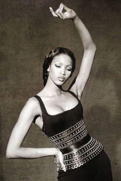 Trendy Fashion Vintage Naomi CampbellYou can find Naomi campbell and more on our Trendy Fashion Vintage Naomi Campbell Moda Fashion, Fashion Week, 90s Fashion, Trendy Fashion, Fashion Models, Fashion Vintage, 1990s Supermodels, Original Supermodels, Azzedine Alaia