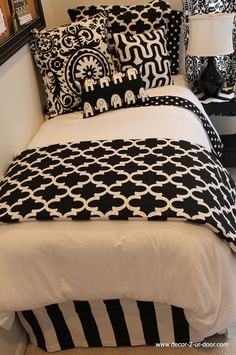Black and white themed dorm room decor 2 door com black and white dorm room bedding . Girls Bedroom, Bedroom Decor, Master Bedroom, Bedrooms, Bedding Decor, Bedroom Bed, Bedroom Colors, Bedroom Ideas, Dorm Bedding Sets