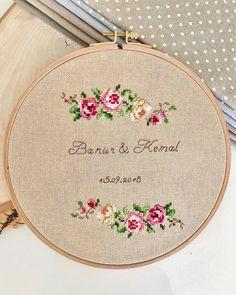 Cross Stitch Needles, Cross Stitch Art, Cross Stitch Alphabet, Cross Stitch Flowers, Cross Stitching, Embroidery Art, Cross Stitch Embroidery, Embroidery Patterns, Modern Cross Stitch Patterns