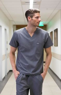 FIGS Scrubs: FIGS makes awesome medical apparel. Why wear scrubs when you can wear FIGS? Scrubs Outfit, Scrubs Uniform, Men In Uniform, Healthcare Uniforms, Medical Uniforms, Scrub Suit Design, Doctor Scrubs, Male Nurse, Designer Suits For Men