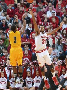Jeremy Hollowell (33)    #IUCollegeBasketball