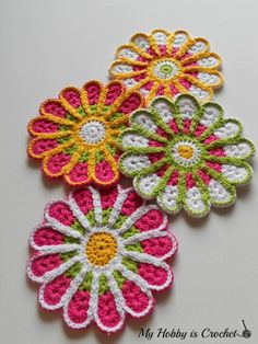 FREE crochet patterns for coasters. These crochet coasters come in all shapes and sizes, and can be used throughout the home and office. Many of these free crochet coaster patterns can also be used as appliques. Crochet Coaster Pattern, Crochet Motifs, Crochet Dishcloths, Crochet Flower Patterns, Crochet Flowers, Crochet Stitches, Pattern Flower, Crochet Diagram, Crochet Home