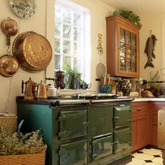 now, that's what I call a cooking station!.