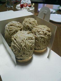 奈良にある「ラ・ペッシュ」の縦長すぎる絶品モンブラン