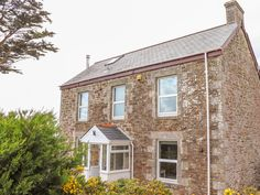 Rating 4 Star PET FRIENDLY. Click picture to view next 5 months price and availability. This well-appointed, detached cottage rests on the edges of the Cornish town of St Columb Major and can sleep six people in three bedrooms.
