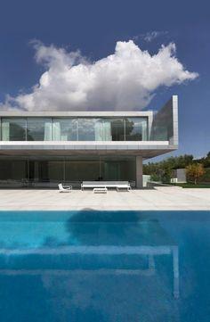 Aluminum House by Fran Silvestre Arquitectos   HomeAdore