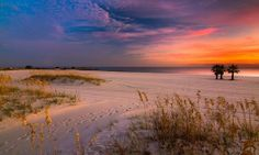 Is there a sunset or beach anywhere else more beautiful? Beautiful Sunrise, Beautiful Beaches, Gulf Coast Beaches, Sea To Shining Sea, Orange Beach, Exotic Places, Down South, Places Of Interest, Road Trip Usa