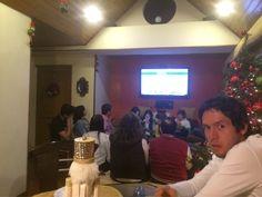 En familia, rezando la novena! blog.gabrielpaeza.com