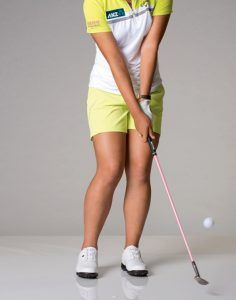 Hitting It Solid shares with Australian Golf Digest and professional Lydia Ko show us how to hit great pitches on the golf course. Golf Wedges, Golf Books, Golf Chipping Tips, Golf Score, Best Golf Courses, Golf Instruction, Golf Putting, Golf Exercises, Golf Training