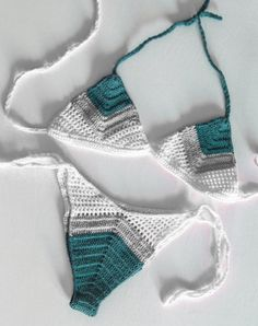 Receita para fazer bikini de crochet a mao Shorts Crochet, Crochet Bikini Bottoms, Crochet Bikini Pattern, Swimsuit Pattern, Crochet Clothes, Slip Stitch Crochet, Knit Crochet, Crochet Motif, Crochet Designs