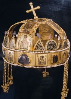 Saint Stephen Crown is the Holy Crown of the kings of Hungary, made in Byzantium in century - Hungarian Parliament, Budapest Royal Crowns, Royal Tiaras, Crown Royal, Tiaras And Crowns, Imperial Crown, Holy Roman Empire, Royal Jewelry, Jewellery, Byzantine Art