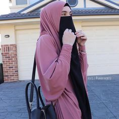Instagram post by 🧕🏻Islamic hijab inspiration🧕🏻 • Feb 2, 2019 at 2:17pm UTC Arab Girls Hijab, Girl Hijab, Face Veil, Abayas, Niqab, Muslim, Beautiful, Instagram, Fashion