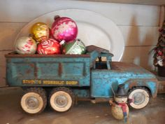 Walnut & Vine - Christmas truck