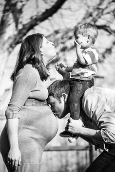 Denver Maternity Photographers   Colorado Pregnancy Portrait Photography   With Older Sibling/Toddler