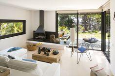 Akdeniz stili sahil evi..