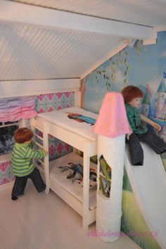 Dollhouse children´s room. Awsome bunk bed. Tutorial in my blog. Wellcome!
