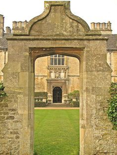 Yarnton Manor, Oxfordshire. Wedding/Party Venue. English Manor Houses, Castles In England, Grand Homes, Party Venues, Stairways, Acre, Britain, Cottage, Cathedrals