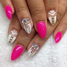I would round out the tips just a bit looks too stiletto-ie and not as almond-y. But love the design,  length, and colors! I must try. ♡♡♡