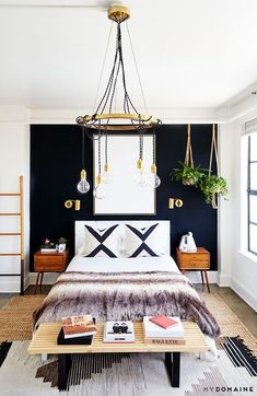 33 Epic Navy Blue Bedroom Design Ideas to Inspire You Navy blue is a highly sophisticated color that would fit a bedroom? Cast a glance over our navy blue bedroom ideas and convince yourself of its epicness! Gorgeous Bedrooms, Home Decor Bedroom, Home Bedroom, Bedroom Interior, Bedroom Wall, Home Decor, House Interior, Cool Rooms, Room Design