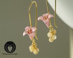 Hey, I found this really awesome Etsy listing at https://www.etsy.com/listing/230022966/origami-jewelry-origami-lily-earrings
