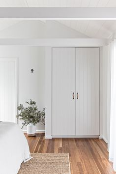 Our property - Cape Beach House Bed & Breakfast Byron Bay — Cape Beach House Byron Bay Home Bedroom, Bedroom Decor, Bedrooms, 1920s Bedroom, White Wash Walls, Duplex, House Beds, Home Reno, My New Room