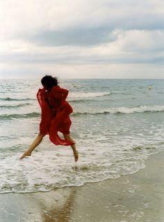 lady in red (Carole Bellaïche via gems)