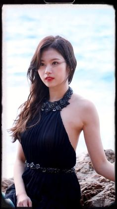 Sana Minatozaki, Twice Once, Twice Jihyo, Twice Sana, Fans Cafe, Girl Photos, Kpop Girls, Girl Group, Savannah