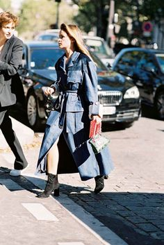 Buro 24/7'sMiroslava Duma, after Miu Miu, Paris, October 2016. A take on 70's denim. I am watching The Americans at the moment (up to Series 3) and Elizabeth's late 70's/80's style is just so inspira
