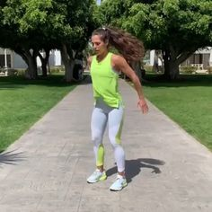 100 squats 10 situps 90 lunges 10 situps 80 hip thrusts 10 situps 70 plank w/ shoulder taps Circuit Training Workouts, Hip Workout, Easy Workouts, At Home Workouts, Bigger Hips Workout, 100 Squats, Hip Thrust, Sit Up, Total Body
