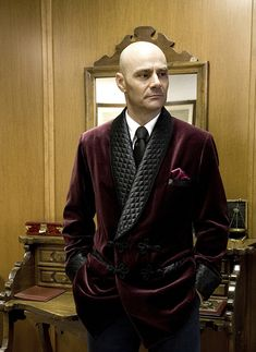 LE NOEUD PAPILLON: Smoking Jackets Made To Order