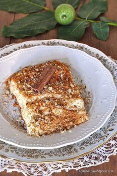 Greek Sweets, Greek Desserts, Greek Recipes, Greek Cake, Syrup Cake, Homemade Granola Bars, Walnut Cake, Sweets Cake, Confectionery