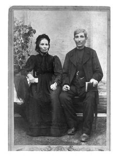 Mennonite couple dressed in traditional clothes, 1870s or 1880s