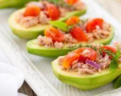 Avocats farcis light thon et tomate : http://www.fourchette-et-bikini.fr/recettes/recettes-minceur/avocats-farcis-light-thon-et-tomate.html