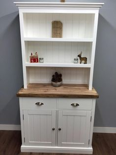Kitchen Welsh Dresser Farmhouse Shabby Chic Display Unit Oak on Home Inteior Ideas 8264 Shabby Chic Storage, Chic Furniture, Shabby Chic Dresser, Painted Furniture, Chic Kitchen, Welsh Dresser, Dining Room Dresser, Home Decor, Shabby Chic Kitchen