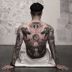 40 tattoos for men that are anything but easy .- 40 Tätowierungen für Männer, die alles andere als einfach sind – Nicholas Me… 40 tattoos for men that are anything but easy – Nicholas Mejia – # Change - Kunst Tattoos, Skull Tattoos, Black Tattoos, Body Art Tattoos, Sleeve Tattoos, Dragon Tattoos, Tattoos On Men, Chicano Tattoos, Fashion Tattoos