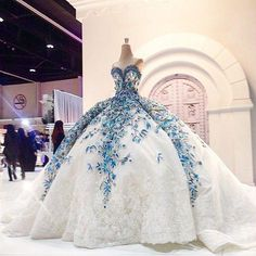 Cheap dress tweed, Buy Quality dress kate directly from China dress up dolls adult Suppliers: Romantic Big Ball Gown Wedding Dress Blue Bride Dress Flower Fashionable Princess Bride Wedding Party Dubai Muslim Gowns Lace Ball Gowns, Ball Gown Dresses, 15 Dresses, Summer Dresses, Blue Wedding Dresses, Wedding Dress Styles, Gown Wedding, Wedding Dress Blue, Dubai Wedding Dress