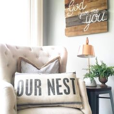 Fantastic home decor advice tips are offered on our web pages. Have a look and y… Fantastic home decor advice tips are offered on our web pages. Have a look and you will not be sorry you did. Diy Living Room Decor, Living Room Designs, Bedroom Decor, Home Decor, Master Bedroom, Bedroom Ideas, Decor Room, Cozy Bedroom, Bedroom Inspiration