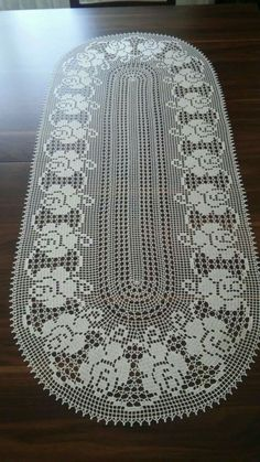 Doily crochet milk color is executed from of cotton threads. Filet Crochet Charts, Crochet Doily Patterns, Lace Patterns, Thread Crochet, Love Crochet, Crochet Motif, Crochet Doilies, Crochet Lace, Crochet Stitches