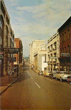 Chattanooga TN~8th Street West~Edmondson School of Business~Teas Co~1950s Cars