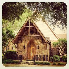 St. John's Episcopal Church in Florence, SC. Another HAPPY SUNDAY post from www.FlorenceUnlocked.com. #florenceunlocked