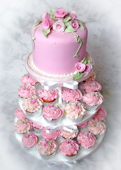 roses cake and cupcakes