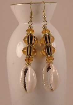 Afrocentric Glass Lampwork Beaded Cowrie by jewelrybypatsdesign