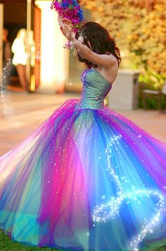 I wore this dress ionce upon a dream... my little girl fantasy because of Disney's Sleeping Beauty; when her dress changes #color.