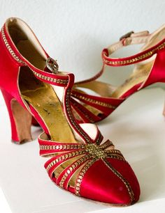 1930s red satin evening shoes