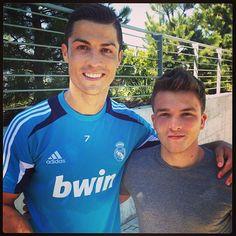 joshdevinedrums Just chillin with Ronaldo...! Legend!