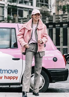 fun winter look // pink + plaid London Fashion Weeks, Matching Top And Skirt, Love Fashion, Womens Fashion, Fashion Trends, Costume, Winter Looks, Street Style Women, Autumn Winter Fashion